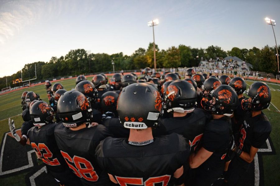 Middletown North Football Playing in
