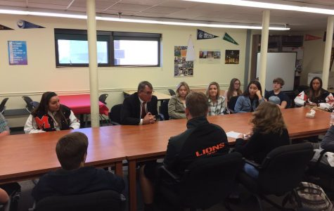 Dr. George Meets with Student Leaders of MHSN
