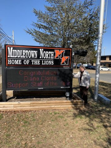 Middletown North Hosts Students from Zaragoza, Spain.